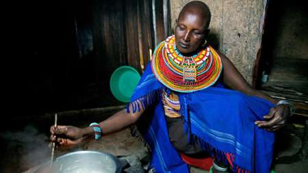 Africa-Kenya-Rose-cooking-dinner